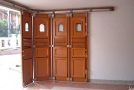 Rel Garasi dan Pintu Besi